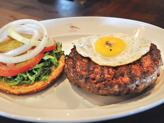 המבורגר אוכל / צלם: תמר מצפי